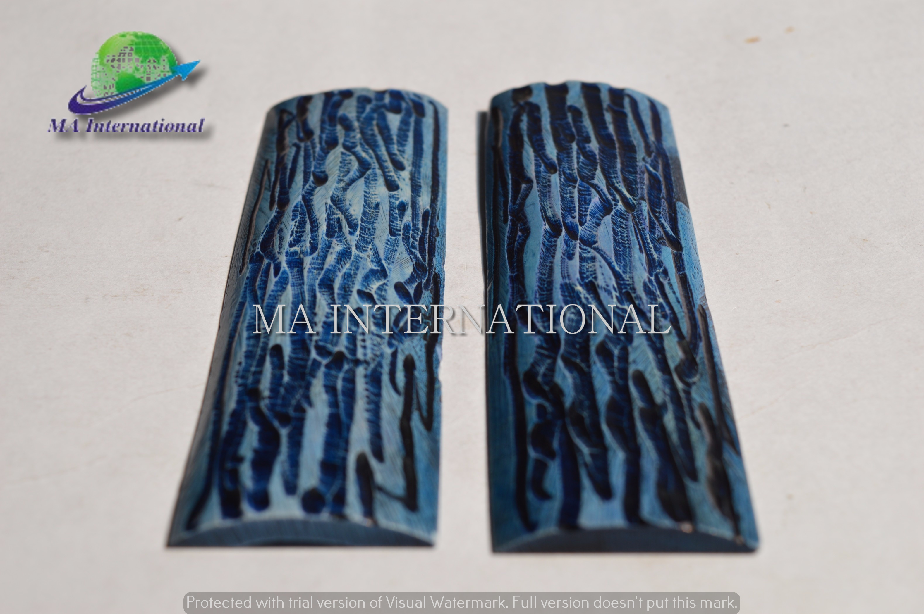 DYED-STABILIZED-BLUE-STAG-BONE-LOOK-JIGGED-SCALE-MASBS04